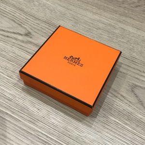 Hermès Box (& jewelry pouch)